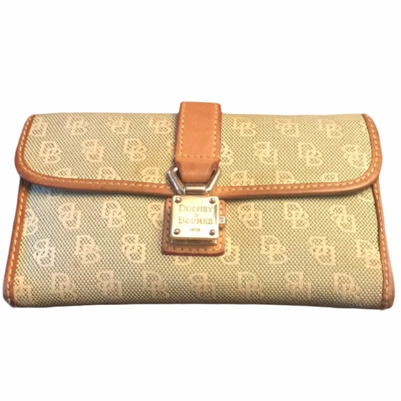 Dooney & Bourke Bifold wallet